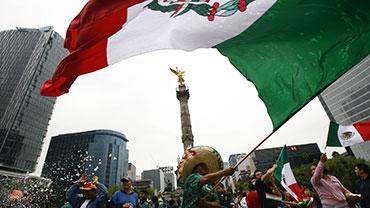 Día de la Bandera - Flag Day in Mexico