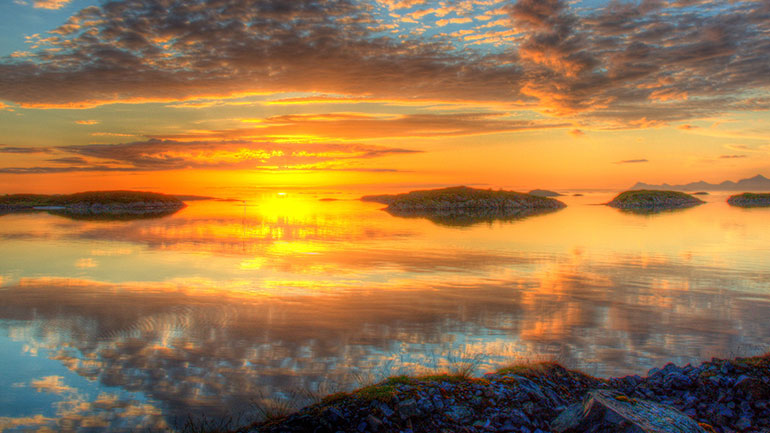 The Midnight Sun is a natural phenomenon in which the sun is above the horizon at midnight. And the rest of the night. And all day long.   The North Cape, known as the northermost point in Europe, is the point where the Norwegian Sea, part of the Atlantic Ocean, meets the Barents Sea, part of...